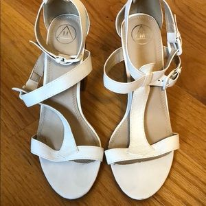 MISSGUIDED white heels
